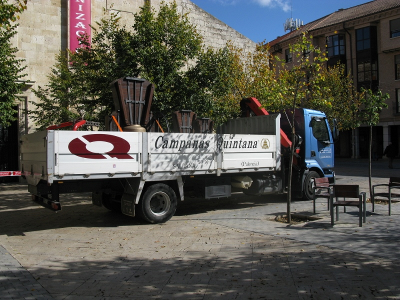 Montaje San Pablo -Campanas restauradas en Camion